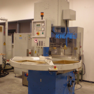 4-Station HF welding machine Kiefel KDT 50/35 G 8000 Sd-D